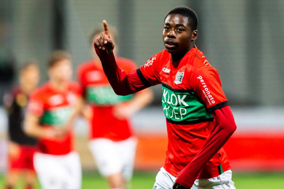 Anthony Musaba (19) hat das Interesse von Borussia Dortmund geweckt. Kontakt hat es laut dem Spieler auch schon gegeben.