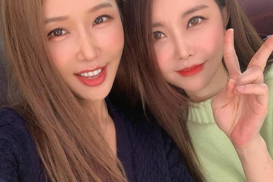 Im Alltag wird sie regelmäßig mit ihrer Tochter Suran Jin (r.) verwechselt.