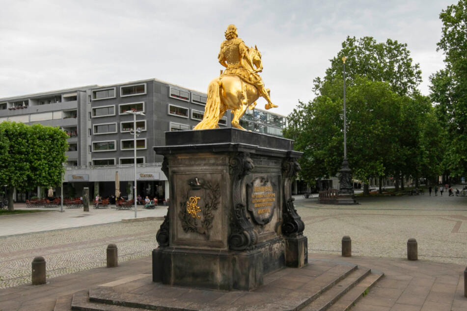 """Denkmalschutz für den Neustädter Markt? Der """"Historische Neumarkt"""" wehrt sich."""