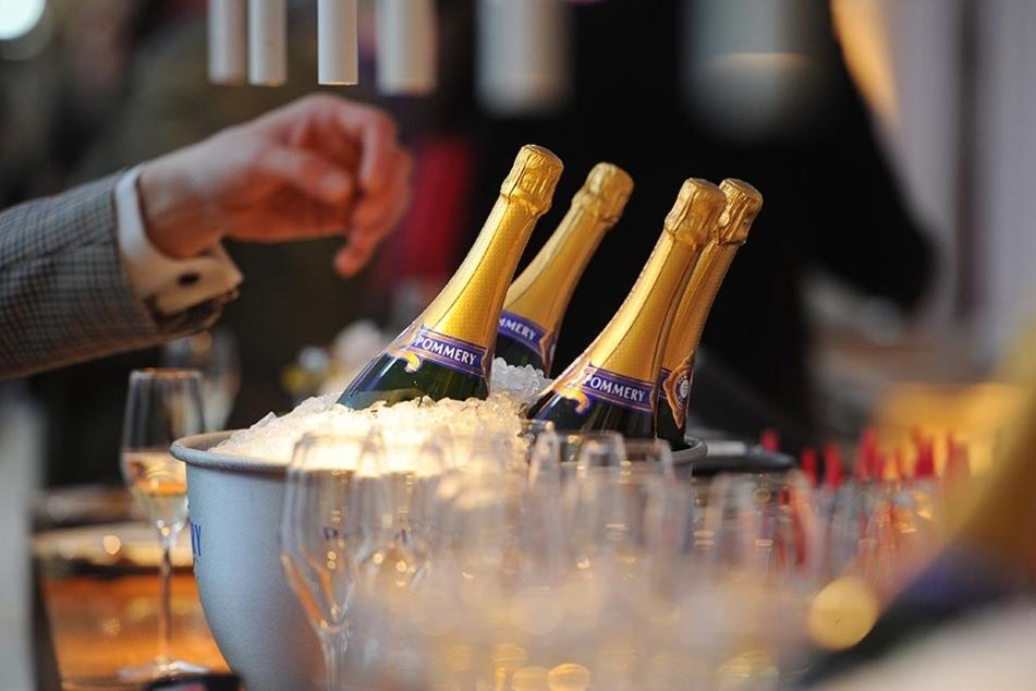 Der Warenwert des beinahe gestohlenen Champagners beträgt knapp 450 Euro.