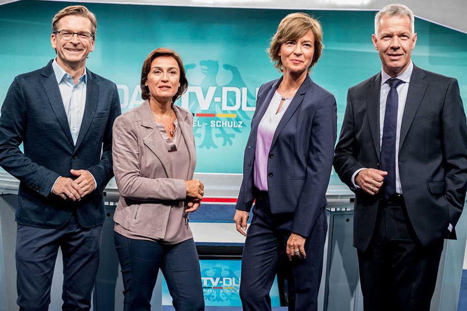 Claus Strunz (li.) gehörte zum vierköpfigen Moderatoren-Team im TV Duell. Neben ihm: Sandra Maischberger, Maybrit Illner und Peter Kloeppel.