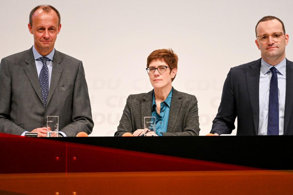 Die Kandidaten für den CDU-Vorsitz: Ex-Unionsfraktionschef Friedrich Merz (alle CDU,l-r), Generalsekretärin Annegret Kramp-Karrenbauer und Gesundheitsminister Jens Spahn.