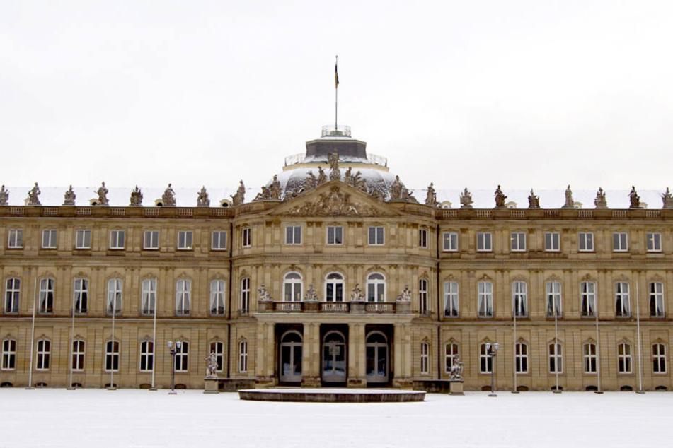Das Neue Schloss in Stuttgart wurde von den Narren gestürmt.