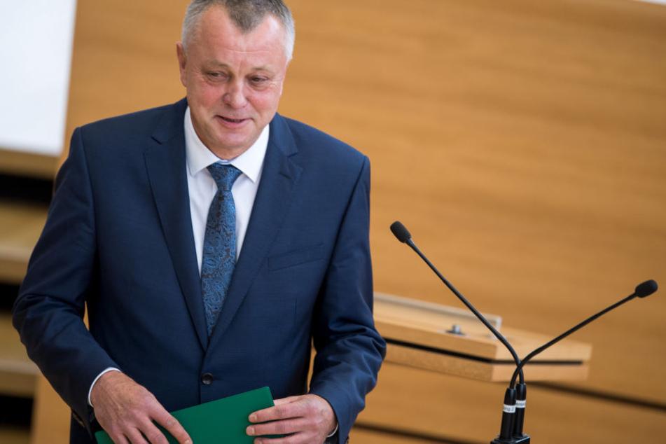 Kultusminister Frank Haubitz kämpfte für die Lehrer, wollte die Lehrerverbeamtung auf jeden Fall durchsetzen.