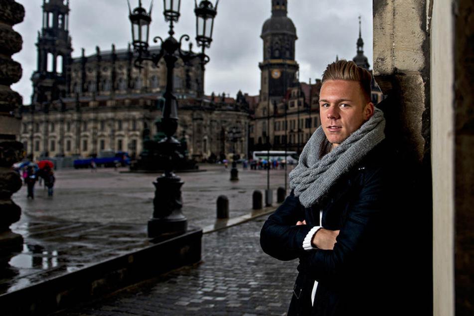 Heimat: Marcel Franke auf dem Theaterplatz. Der 23-Jährige wurde in Dresden geboren und spielte bis 2013 hier Fußball.