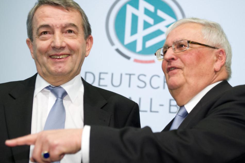 Wolfgang Niersbach (l.) und Theo Zwanziger müssen sich vor Gericht verantworten.