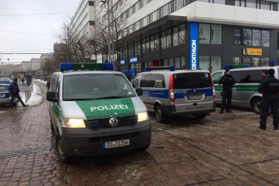 Die Polizei war mit einem Großaufgebot in der Innenstadt vor Ort.