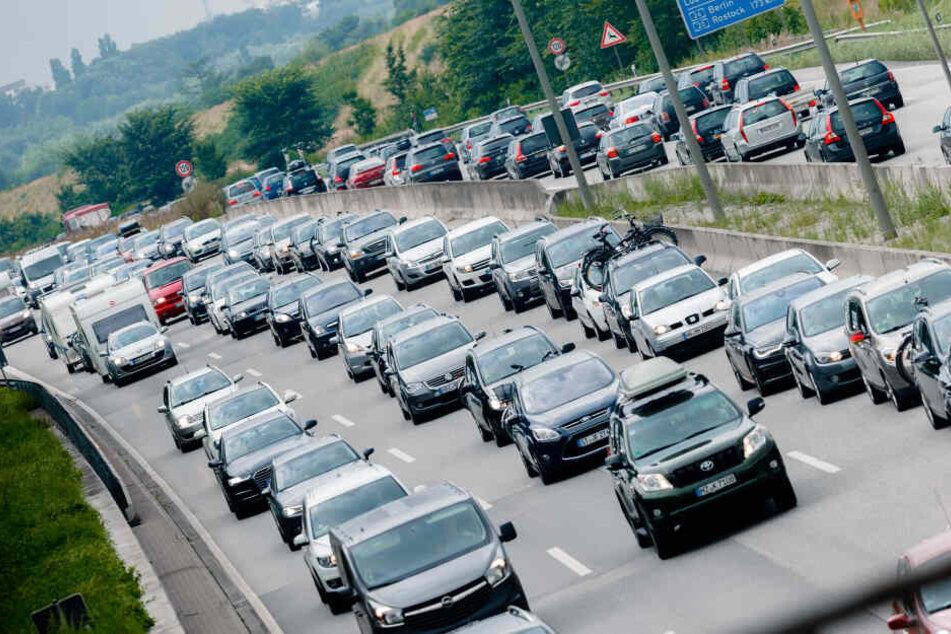 Oster-Rückreiseverkehr sorgt für volle Autobahnen und Züge