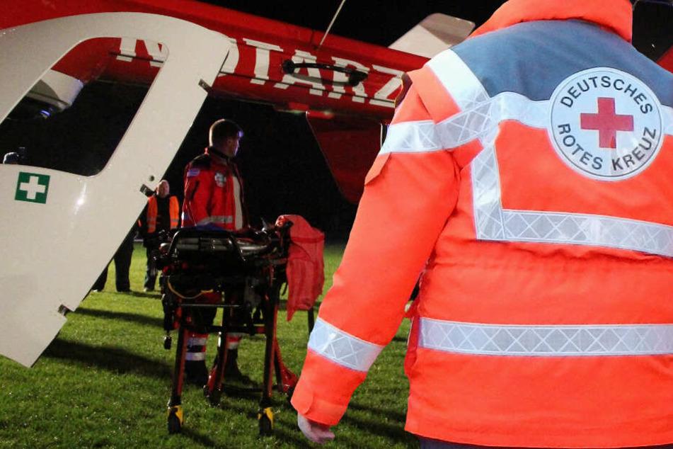 Ein schwer verletztes Kind musste per Hubschrauber in eine Klinik gebracht werden (Symbolbild).