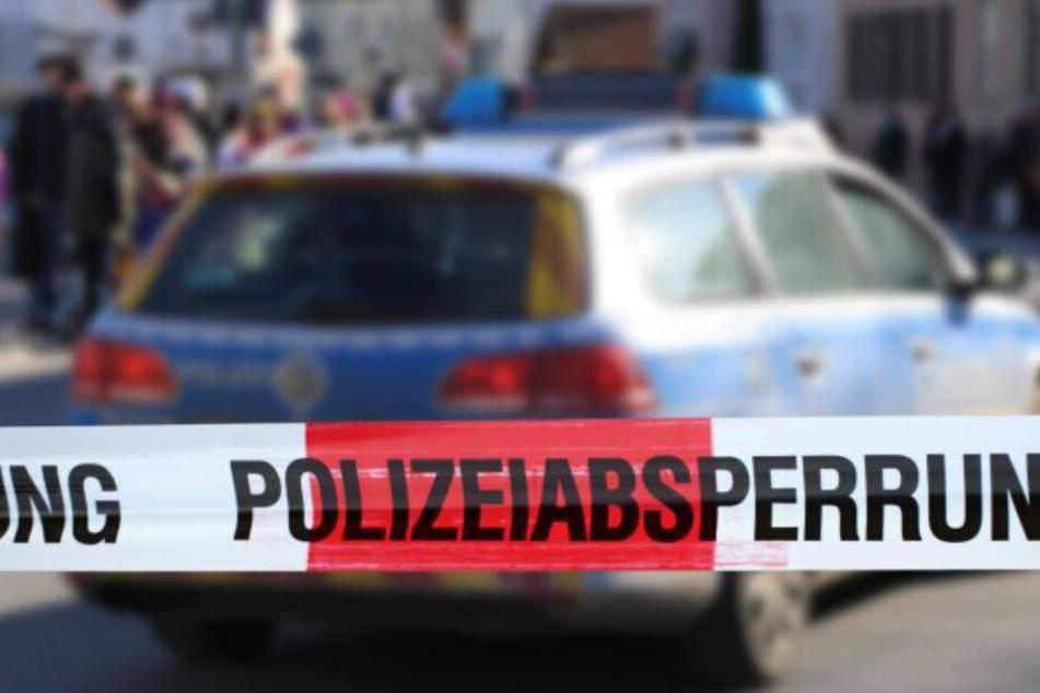 Polizisten fanden ihren Kollegen und seine Mutter tot in der Wohnung.