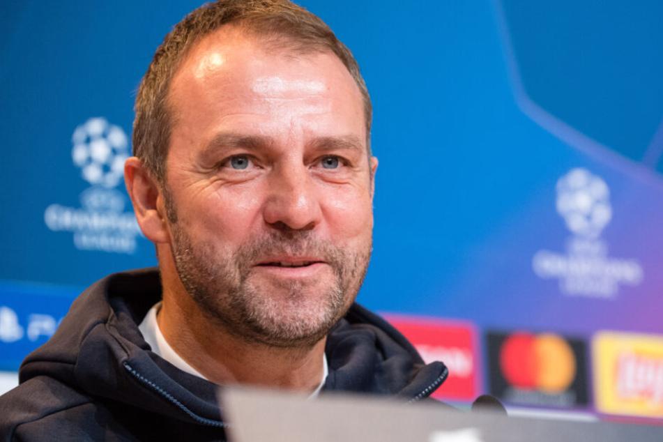 Hansi Flick kann mit dem FC Bayern München Geschichte schreiben.
