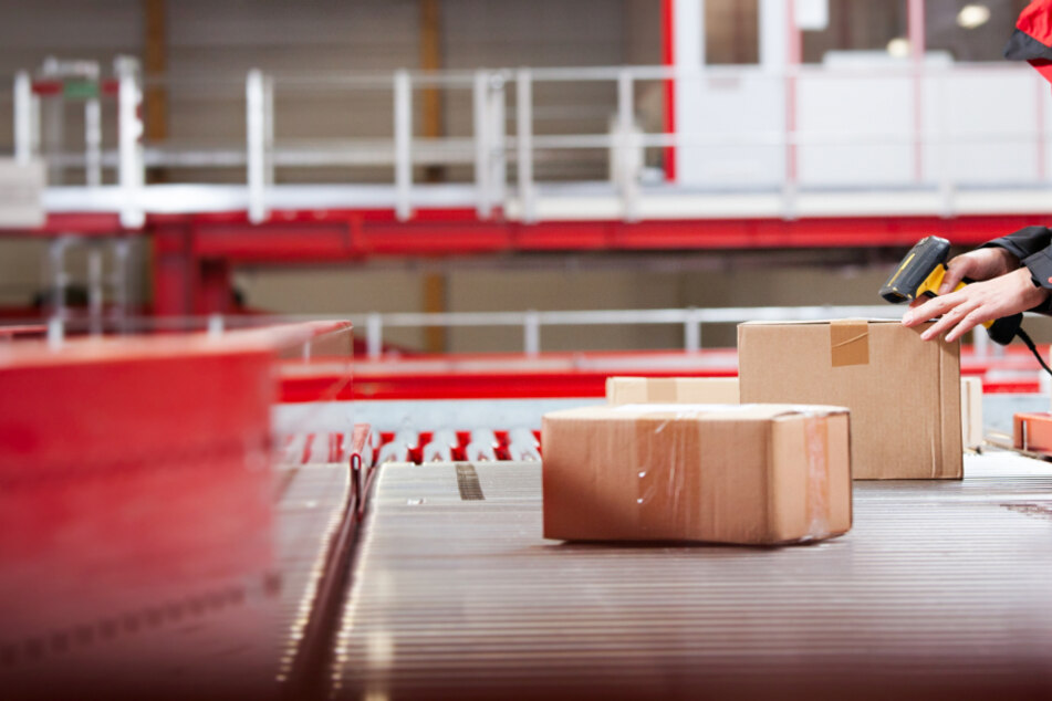 Corona-Fälle nicht gemeldet? Harte Vorwürfe gegen Paketdienst in Sachsen