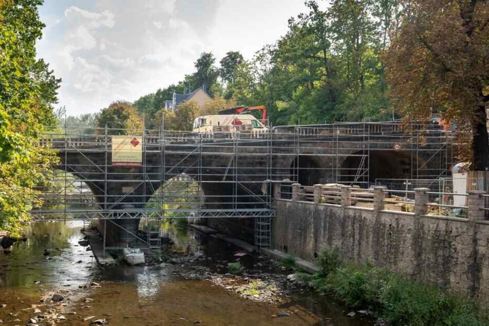 Die Bauarbeiten an der Karl-Schmidt-Rottluff-Brücke werden im Oktober beendet sein.