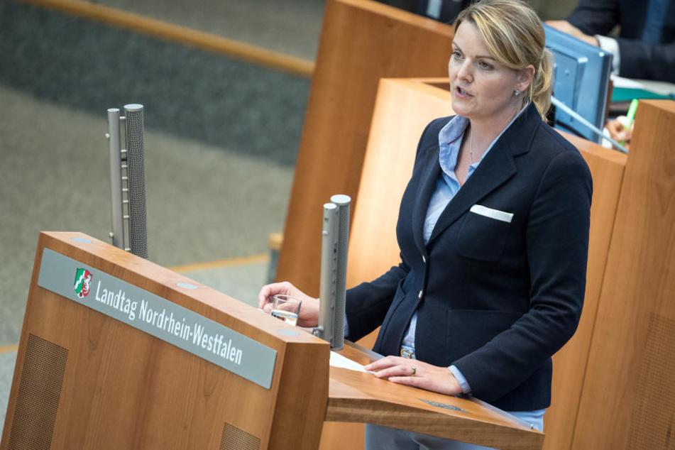 Christina Schulze Foecking (41) gab am Dienstag ihren Rücktritt als Ministerin bekannt.