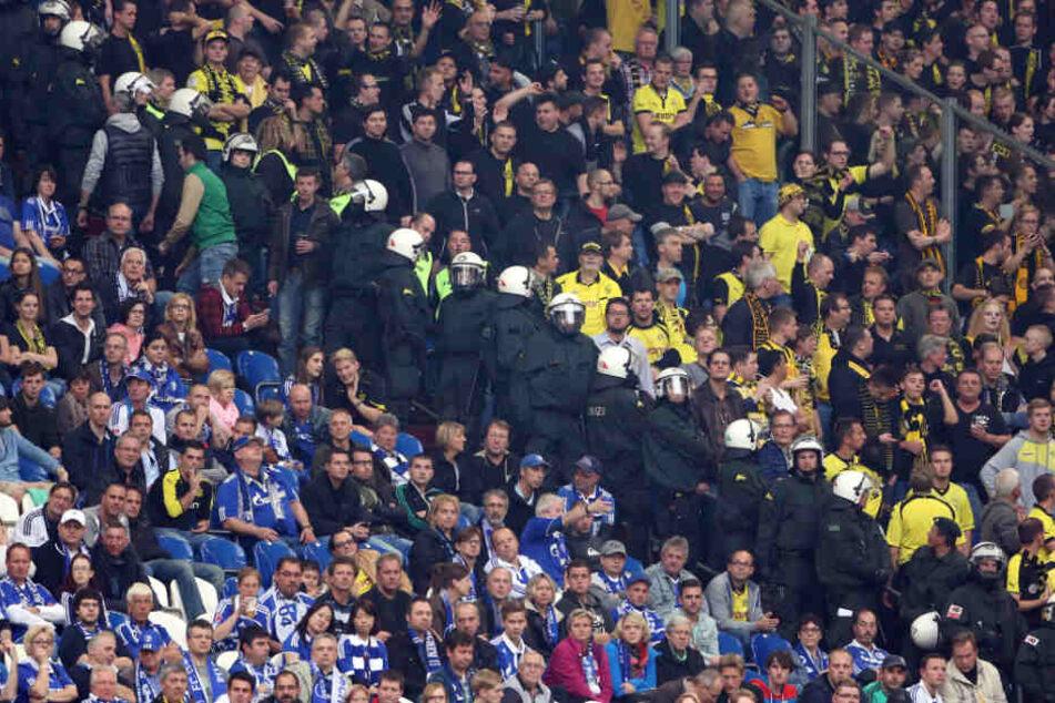 Schalke gegen Dortmund. Die Mutter aller Derbys und oft auch ein Beispiel erbitterter Rivalität.