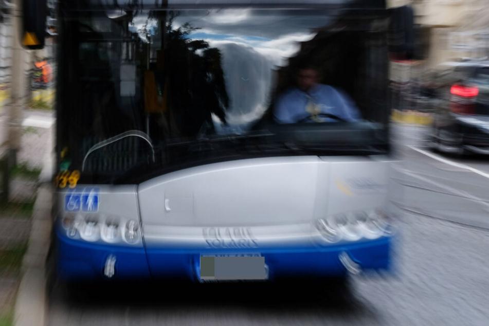 Als der Busfahrer nicht an der gewünschten Stelle hielt, wurde der Mann aggressiv. (Symbolbild)