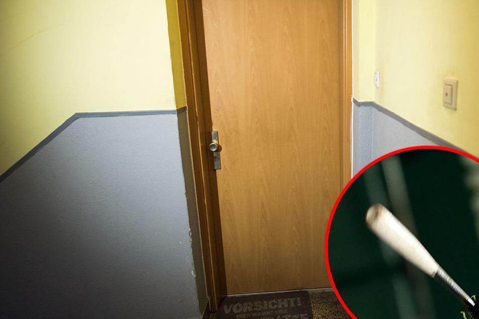 Mit einem Baseballschläger hämmerte der 46-jährige auf die Wohnungstür seiner Nachbarn ein, dann zückte er noch ein Messer. (Symbolbild)