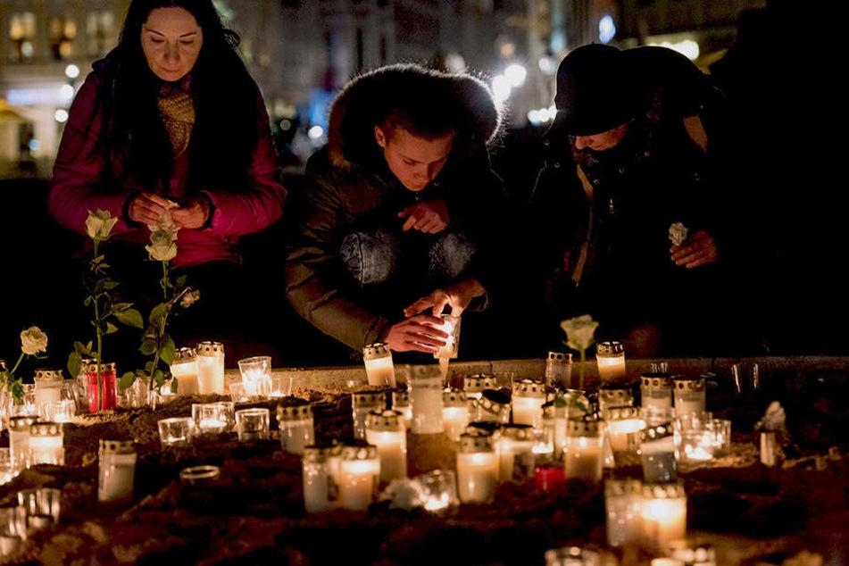 Kerzen für die Opfer von 1945. Im vergangenen Jahr beteiligten sich 13.000 Menschen an der Aktion.