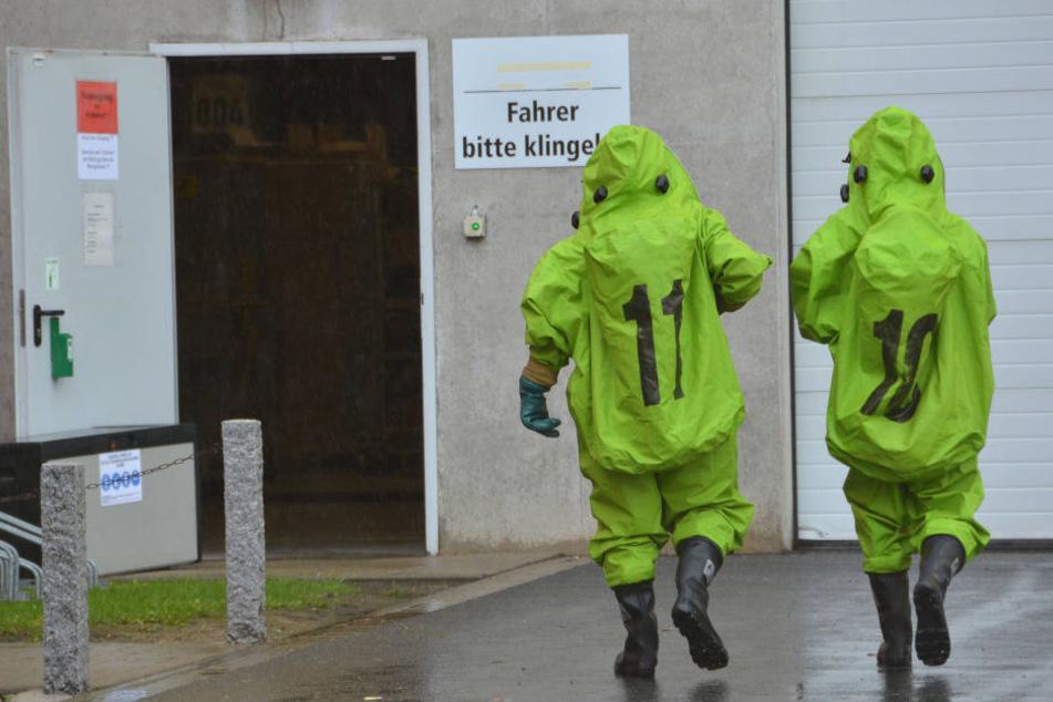 Chemie-Alarm nach Unfall! Anwohner sollen Türen und Fenster geschlossen halten