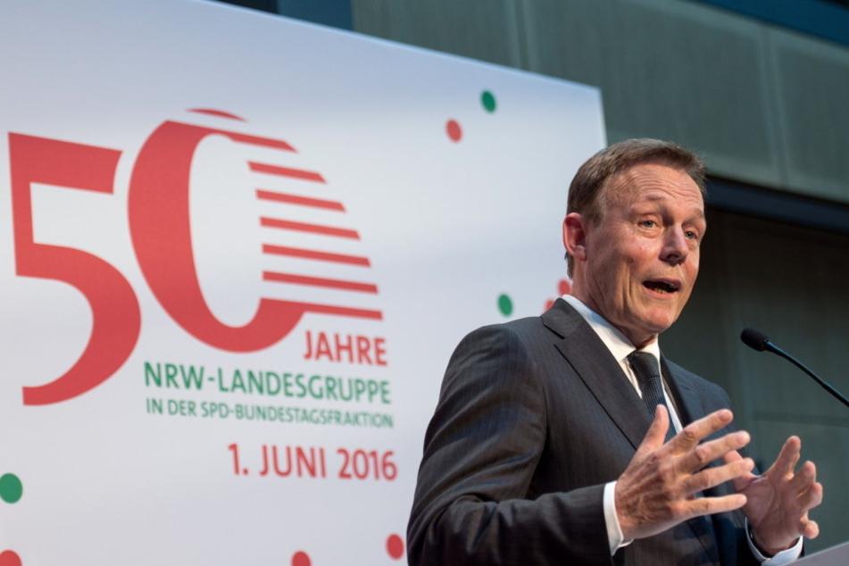SPD-Fraktionschef Thomas Oppermann hat den umstrittenen Thüringer AfD-Landesvorsitzenden Björn Höcke als Nazi bezeichnet.