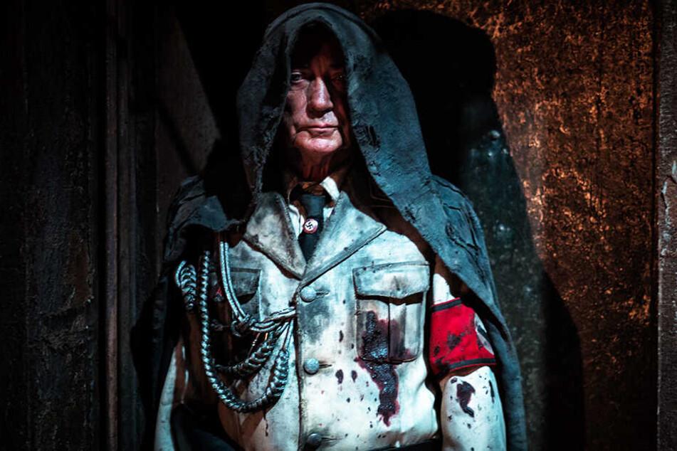 """Leichte Parallelen zu """"Star Wars"""" sind erkennbar: Der frühere Mondnazi-Anführer Wolfgang Kortzfleisch (Udo Kier) kehrt auf seine alte Basis zurück."""