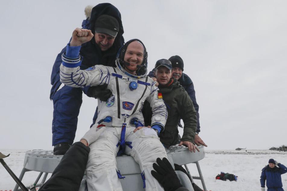 Alexander Gerst nach der Rückkehr von der ISS im Dezember.