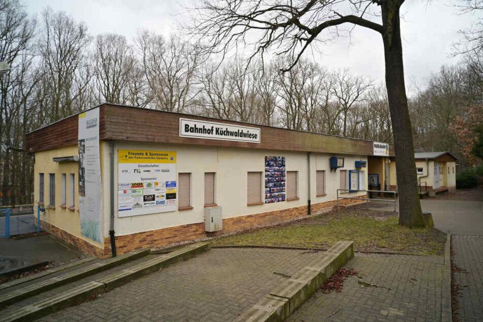 Derzeit auf dem Abstellgleis: Der Bahnhof-Umbau der Parkeisenbahn wird teurer und zögert sich hinaus.
