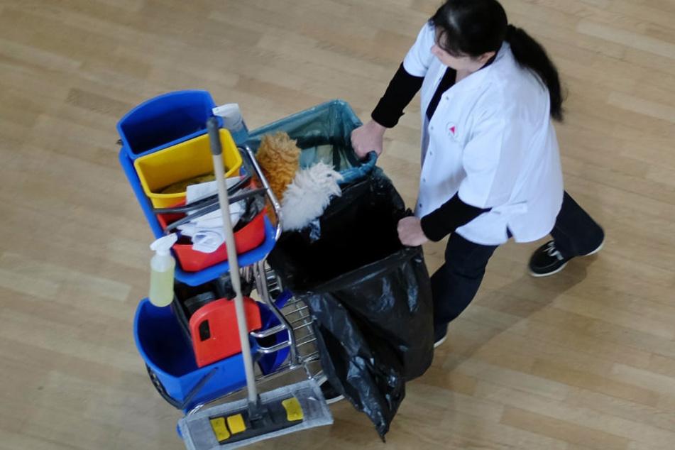 Nach dem eigentlichen Job noch putzen gehen? Das lohnt sich kaum.
