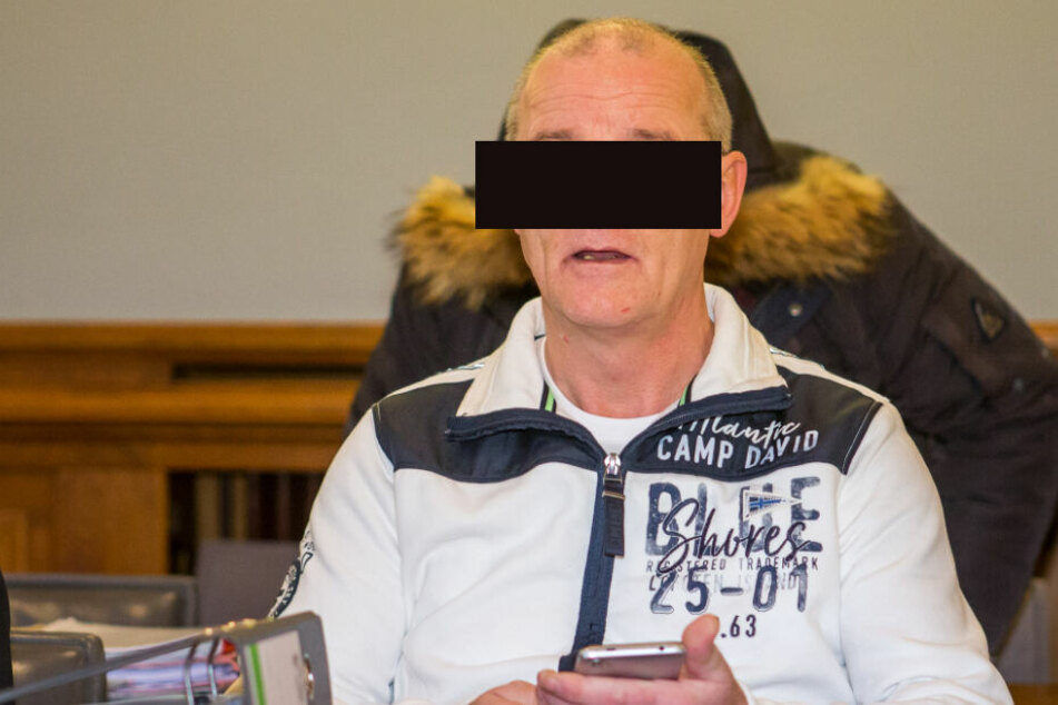 Ihm werden 56 Fälle der Untreue vorgeworfen: Ex-Schadensgutachter Alexander N. (55).