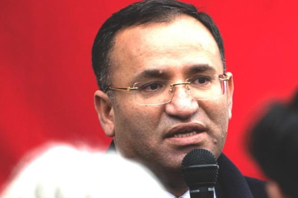 Die Stadt Gaggenau hat den Auftritt des türkischen Justizministers Bekir Bozdag am Donnerstag untersagt.