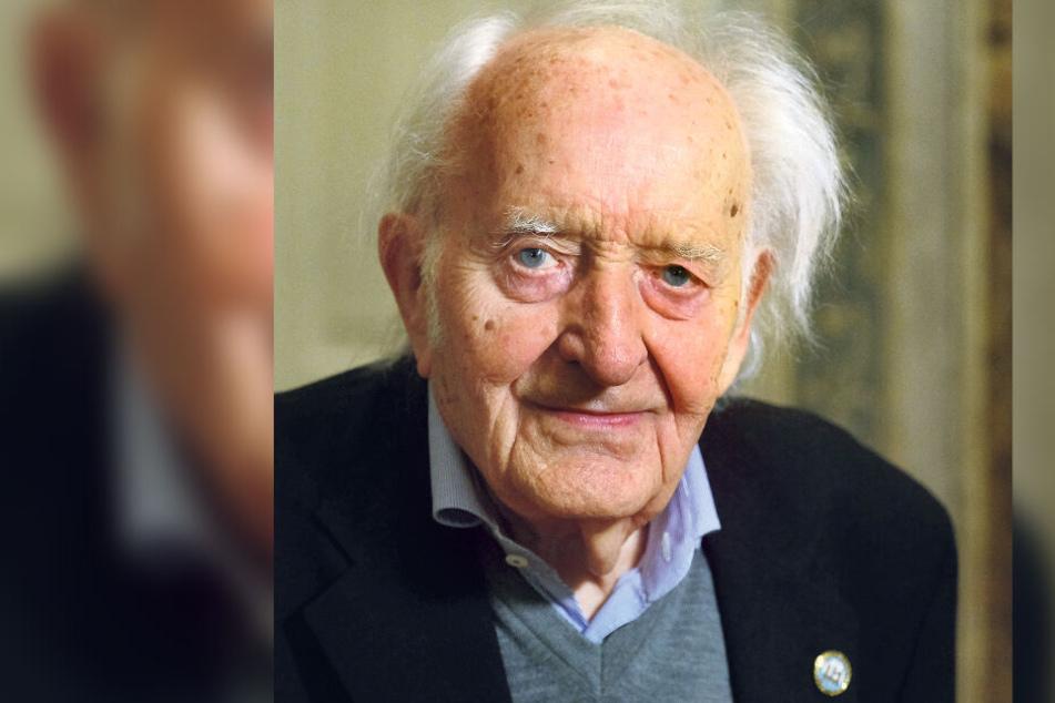 Zoologe Günther Sterba (96), Autor zahlreicher Fisch- und Aquarienbücher, vermachte dem Museum seinen Porzellan-Schatz.
