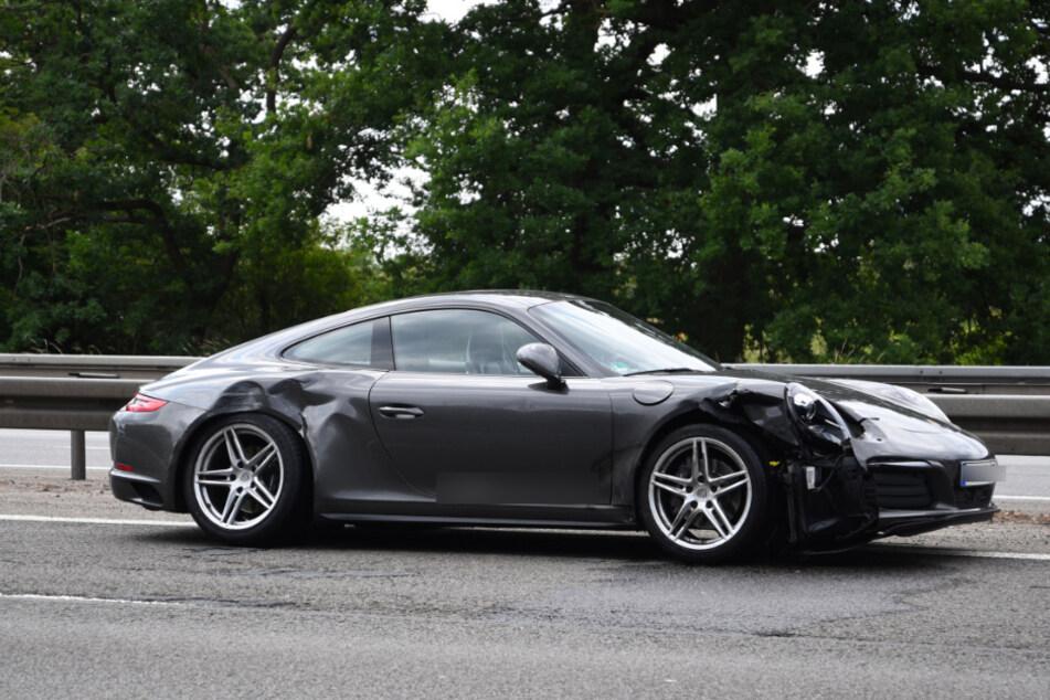 Auch ein Porsche war in den Unfall verwickelt.