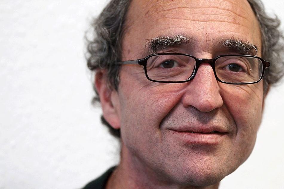 Der Kölner Schriftsteller Dogan Akhanli (60) hat nicht den Hauch einer Ahnung, was ihm vorgeworfen wird. Madrid darf er derzeit nicht verlassen.