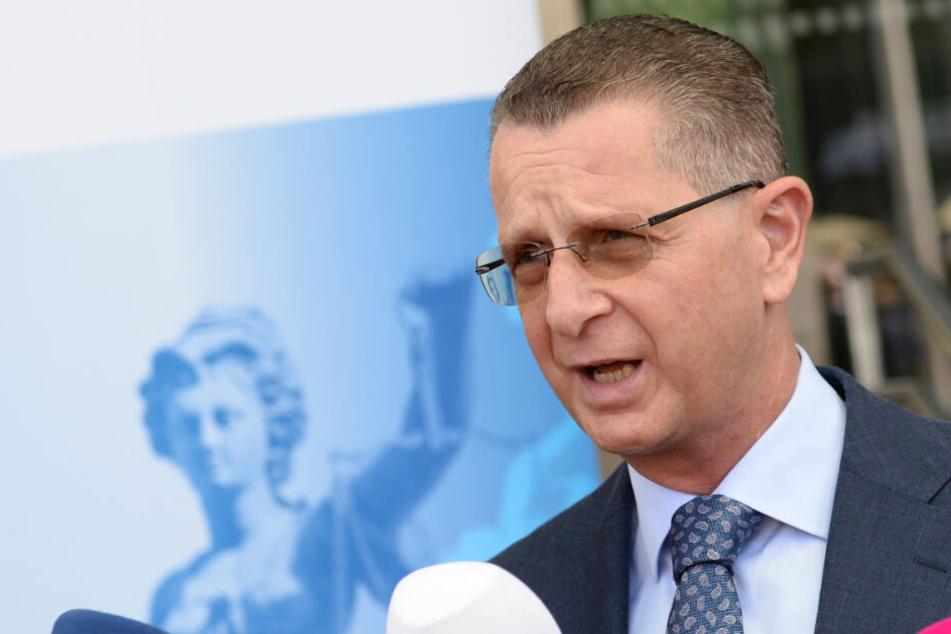 Alexander Badle, Sprecher der Generalstaatsanwaltschaft Frankfurt, beantwortet am 23.07.2019 die Fragen von Journalisten.