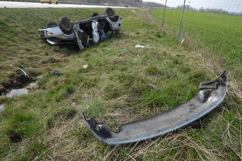 Unfall A4: Heftiger Crash auf der A4: Ford überschlägt sich! Mehrere Personen verletzt