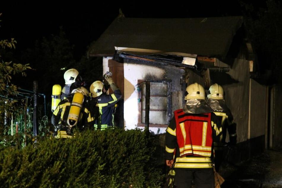 Im Leipziger Stadtteil Altlindenau wurde in der Nacht zu Dienstag eine Gartenlaube durch Feuer teils beschädigt.