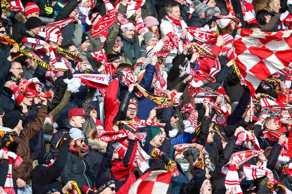Rund 300 Zwickauer Fans werden zum Spiel in Magdeburg erwartet. Die Anreise per Bahn wird am Wochenende nicht ganz einfach.