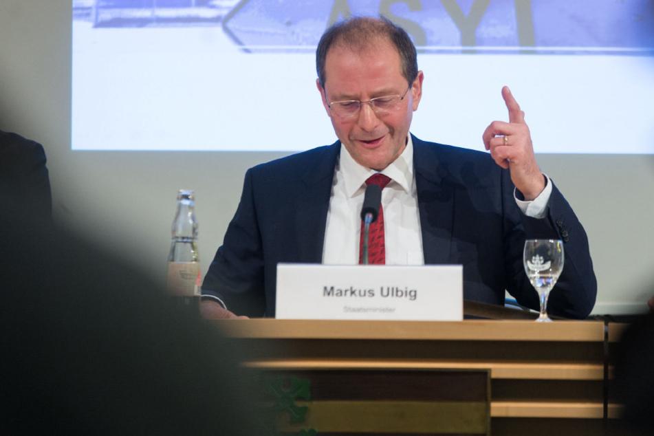 Sachsens Innenminister Markus Ulbig (52, CDU).