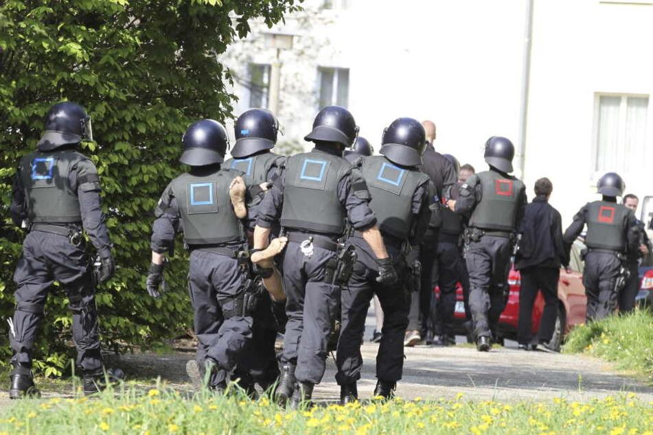 Die Polizei richtet sich auf einen größeren Einsatz in Plauen ein.