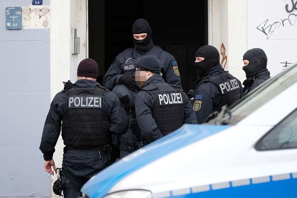 Aktion gegen kriminelle Hasspostings: Am Dienstagmorgen durchsuchte die Polizei mehrere Wohnungen in Leipzig und Werdau (Symbolbild).