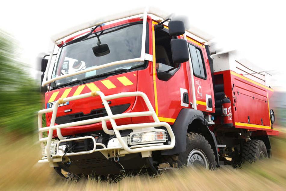 Die Feuerwehr musste anrücken. Die gesamte Oberschule musste evakuiert werden (Symbolbild).