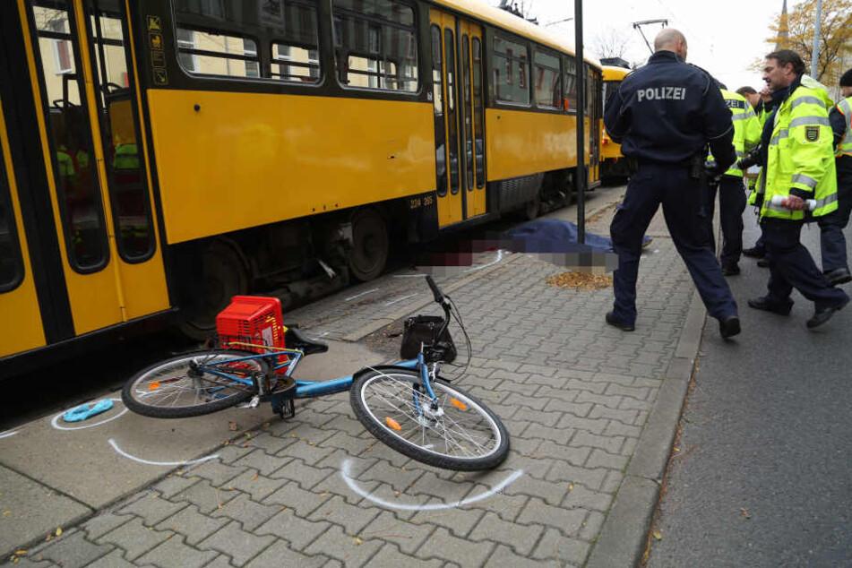 Die Frau wurde von der Straßenbahn in der Leipziger Vorstadt erfasst und getötet.
