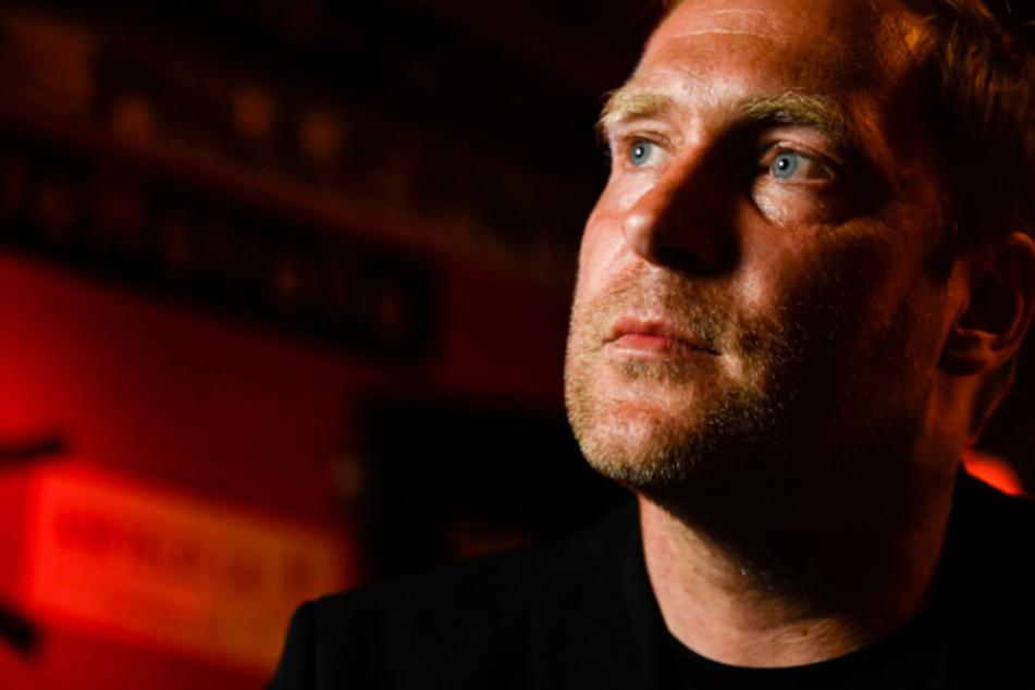 Thees Uhlmann live: Zum Singen und Begeistern trat der Tomte-Mann in Berlin auf