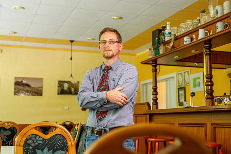 Bürgermeister Conrad Seifert (39) sucht dringend einen neuen Pächter.