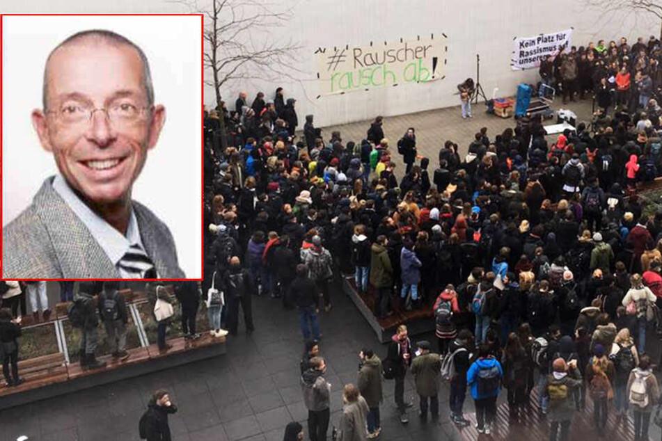 In der letzten Woche protestierten hunderte Studenten gegen den Hetz-Professor. Am heutigen Dienstag wollen sie die Petition gegen Rauscher dem Rektorat übergeben.