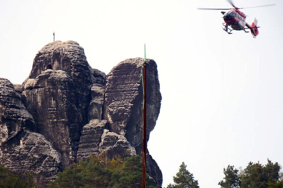 Rettungshubschrauber Christoph 62 war im Einsatz, um den Mann in Krankenhaus zu bringen.