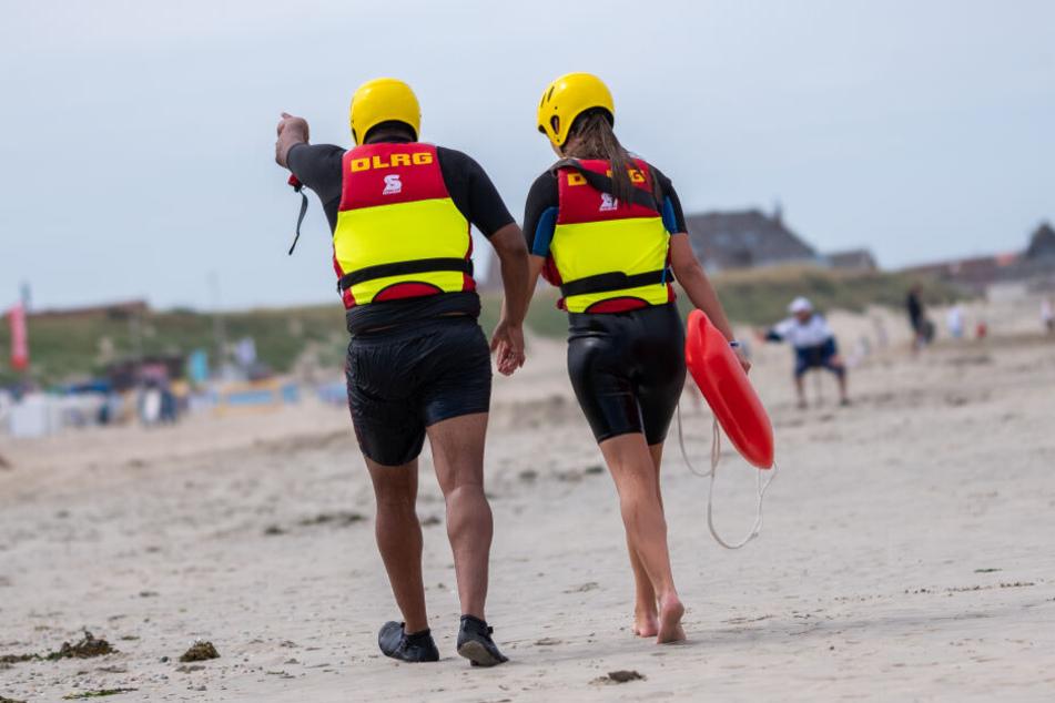 Auch Mitglieder der DLRG waren an dem Rettungseinsatz beteiligt (Symbolbild).