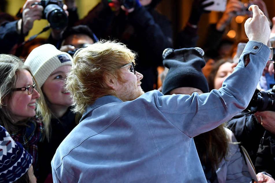 Selfies mit dem Mega-Star? Kein Problem, die Zeit nimmt er sich gerne.