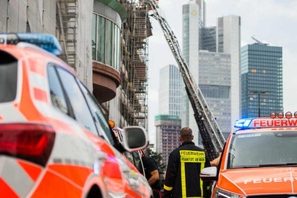 Der entstandene Schaden wird auf mehrere zehntausend Euro geschätzt.