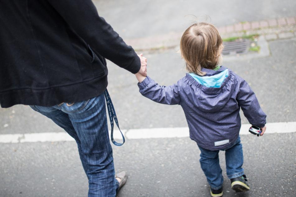 Mutter lässt Kinder Trotz Corona-Auflagen von Schwester betreuen: Anzeige!